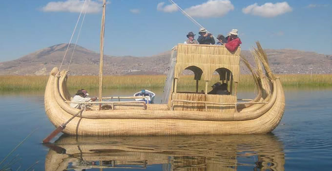 floating-uros-island-half-day-1