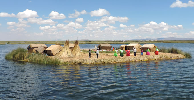 floating-uros-island-half-day-9