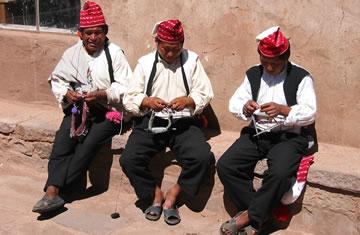 uros-taquile-island-titicaca-travel